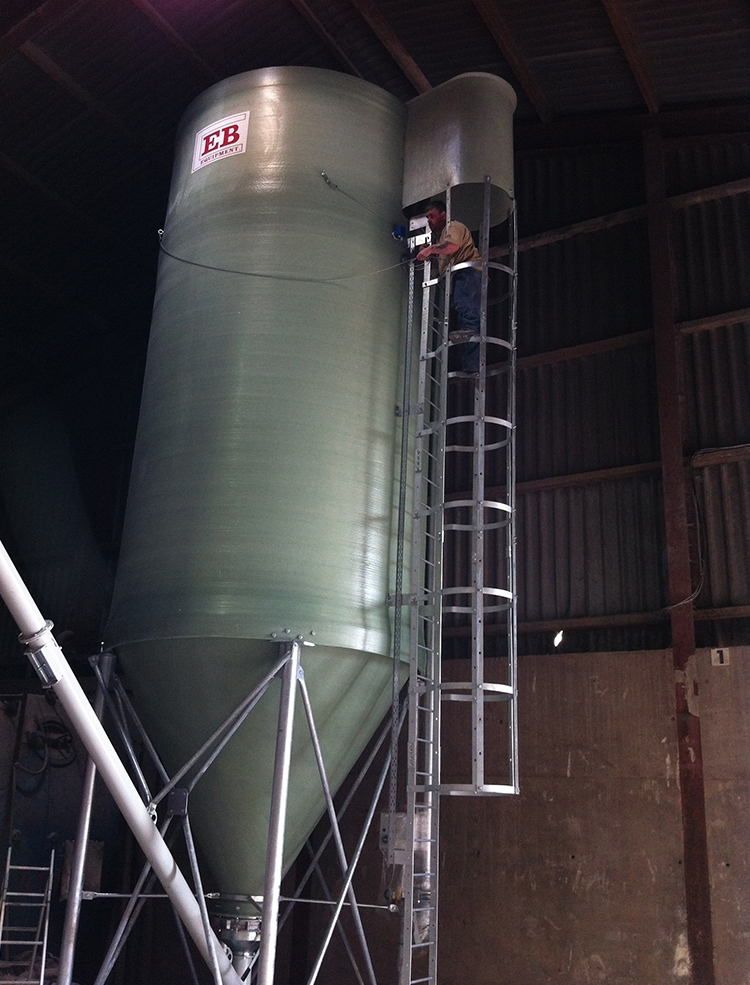 Heavy Duty Silo with High Output Shafted Screw Conveyor